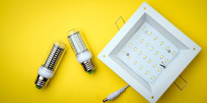 Jakie akcesoria są pomocne przy podłączeniu oświetlenia LED?