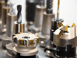 Co wyróżnia profesjonalne narzędzia przemysłowe